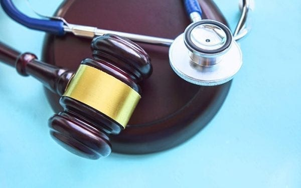 4 Common Reasons You Should Hire a Medical Malpractice Lawyer