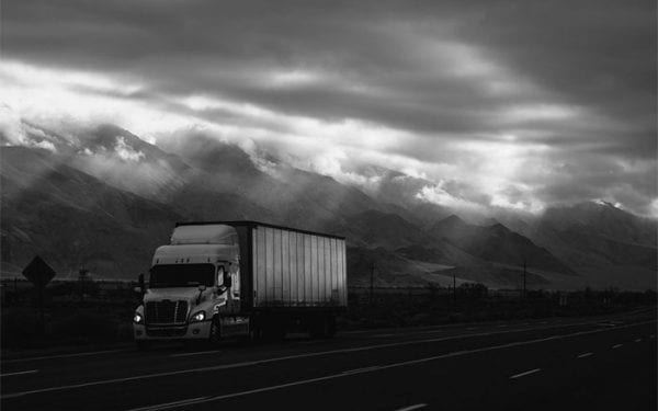 When You Should Hire a Lawyer After a Trucking Accident